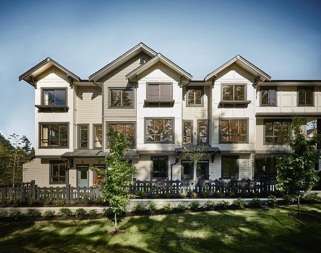 Welcome to Woodland Park! Location is by far the best in the Willoughby neighbourhood. 5 min walk to the Carvolth and easy access to #1 Hwy. End UNIT with southern walkout backyard from kitchen area. Featuring open concept spaces with 9' ceilings on the main floor. Floor Plan D Type which is Larger than other corner unit. High efficiency Forced air heating, extra windows, equipped with Whirlpool stainless steel appliances, gas range & convention oven plus a range hood. Main floor leads out the raised backyard that can be entertaining size!  Rentals allowed. You will like what you will see!