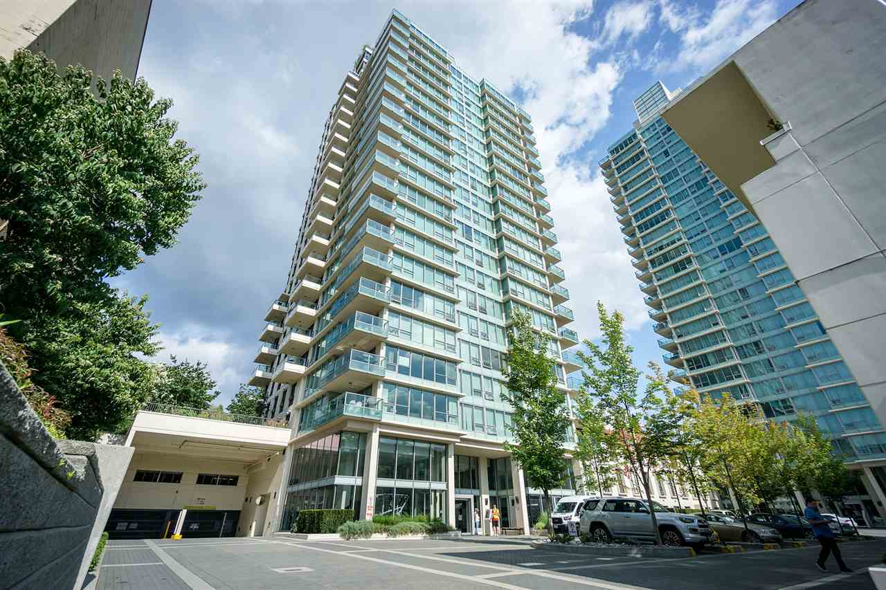 The unit has sweeping view from north shore mountain, downtown to southern valley and metrotown. It has georgious view of vancouver skyline. The unit has spacious 1071 sf with two bedroom plus and den. It comes with high end stainless steel appliance, granite countertop, hugh kitchen island overlooking southern valley though floor to ceiling windows. Currently private Showing only.