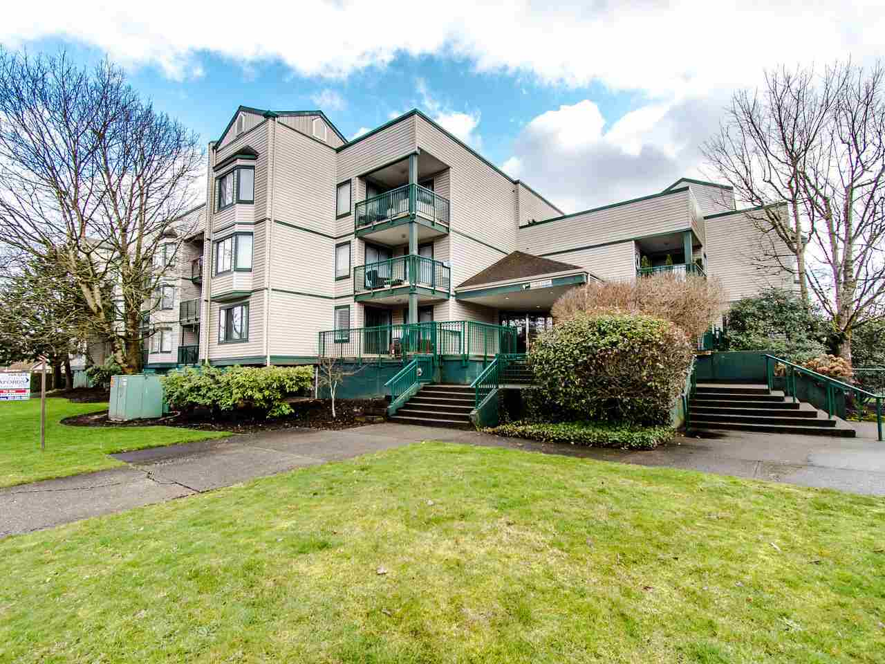 Investors welcome! GREAT TENANT with lease until May 2021! This updated 2 bedroom condo in downtown Langley area, close to shopping, schools. This is an end unit with a large sundeck over looking the parking lot on the quiet side of the building. Hurry and make your call today. 2 secured parking spots. Measurements from BC Floor Plans.