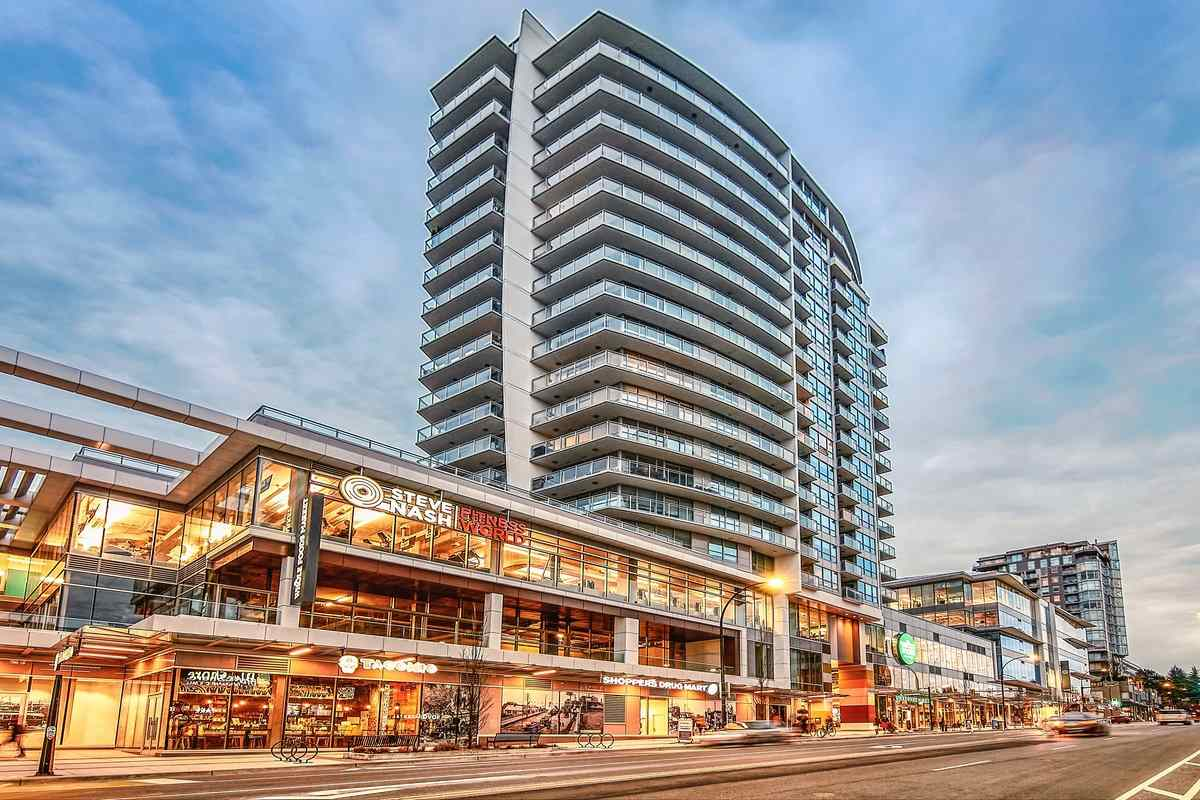 one of the Best! looking for a water view suite in ONNI`s Central Lonsdale's Iconic Centerview Complex? This fantastic south facing unit offers over the top amenities including clubhouse, gym, playground, BBQ area,and an outside pool deck. There is whole food in the building. This awesome 1 bedroom open floor plan shows great kitchen layout, no wasted space and a large walk-in closet in the bedroom and organizing space in the living room. Panoramic city and water view and Mt. baker mountain view from inside the unit. This cozy home really does have epic views from both your living room couch and from the master bedroom. Features include in-suite laundry, great parking and storage (near the elevator) and bike room. Truly a Must-See, you will really love it. Easy to show with 24 hours notice