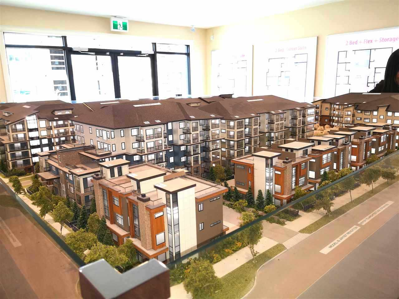 Yorkson Park West estimated completion early 2021. 2 bed & Den (800sf) + Solarium 92sf with gas, hook up for BBQ. air conditions, 9ft Ceiling, energy efficient heat pump. Heated tile floors in bathroom, laminated floor, stainless-s appliances, N/G cooktop, quartz countertops, 2 parkings & 1 locker, school, 1Hwy 1 Shopping, Recreation Carvolth park nearby.