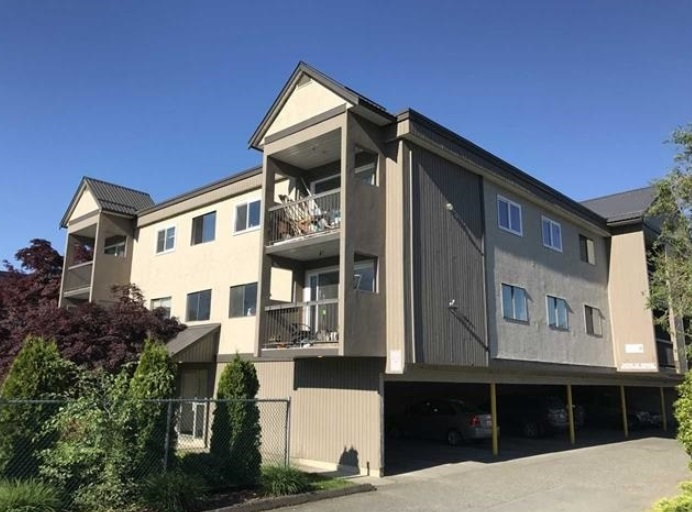 Centrally located in the heart of Agassiz, minutes away from beautiful Harrison Hot Springs. Walking distance to schools, shopping and recreation. No Rental Restrictions! Low maintenance fees! Perfect for an investor or first time home buyer! Call today for details.