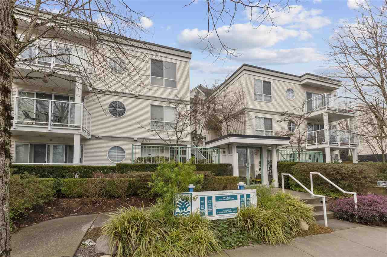 Rarely available waterfront living, 2 level 2bd/2bath/2parking 1006sqft townhouse with low main fees, functional fl plan, 9? ceilings & a laundry/storage room w/ W/D & a gas F/P. Spacious covered patio, for your propane BBQ, w/an outside hose connection, power & lighting. It comes w/ a storage locker & the complex has ample bike storage. The kitchen has a new quartz countertop, backsplash, sink ,faucet, garburator, newer s/s appliances. The bathrooms have new quartz countertops, sinks, faucets & tiled floors. The unit also has newer blinds, fresh paint & LED lighting throughout. The complex has ample of guest parkings, high security mailboxes & a modern enterphone system. There are nearby parks, Fraserview & Riverway golf course, tennis courts, schools, walking trails, banks, stores etc.