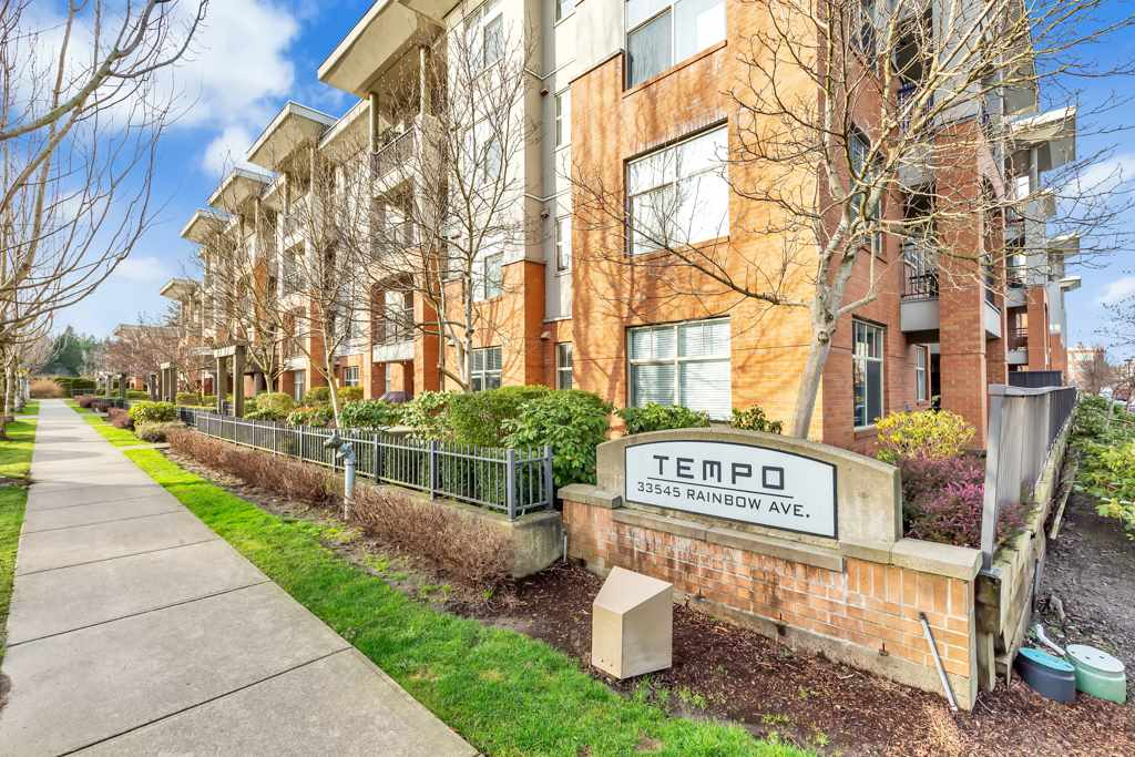 Location Location!! Desirable Temp Compl in the heart of McCallum Junction. New updated - S.S appliances, laminate floor, baseboards, paint, blinds, lights.  In suite laundary with spacious storage. Easy access to public transportation, school, UFV, hospital, shopping Mall, Restaurants and Mill Lake.