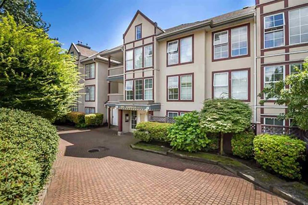 Well kept large 1 bedroom unit at the La Brittany. Conveniently located near Blue Mountain and Lougheed Highway, only minutes to the number 1 highway entrance, Lougheed mall, Schools and more. Spacious with many windows, gas fireplace and large balcony.