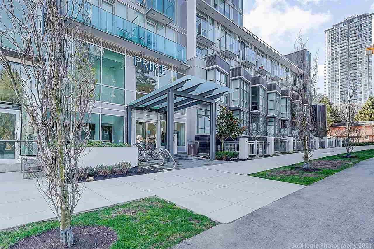 Welcome to Prime on Plaza! This bright and functional suite is located at the absolute best location in downtown Surrey. The unit features S/S appliances, quartz counter top. 2 Murphy beds that will conveniently convert a dining table and couch chair. 3 separate glass sliding doors for you to configure your layout. North facing unit with 1 storage locker, and 1 parking. Amenities includes sauna, steam room, music rooms, office rooms, exercise room, playground, and rooftop garden. Steps away from SFU surrey, Central City Mall, KPU surrey, and Surrey Central Station. Perfect for first time home buyer or investment property. Don?t miss out. SCHEDULED OPEN HOUSE Sat & Sun Apr 3rd & 4th 1:00 - 4:00 pm