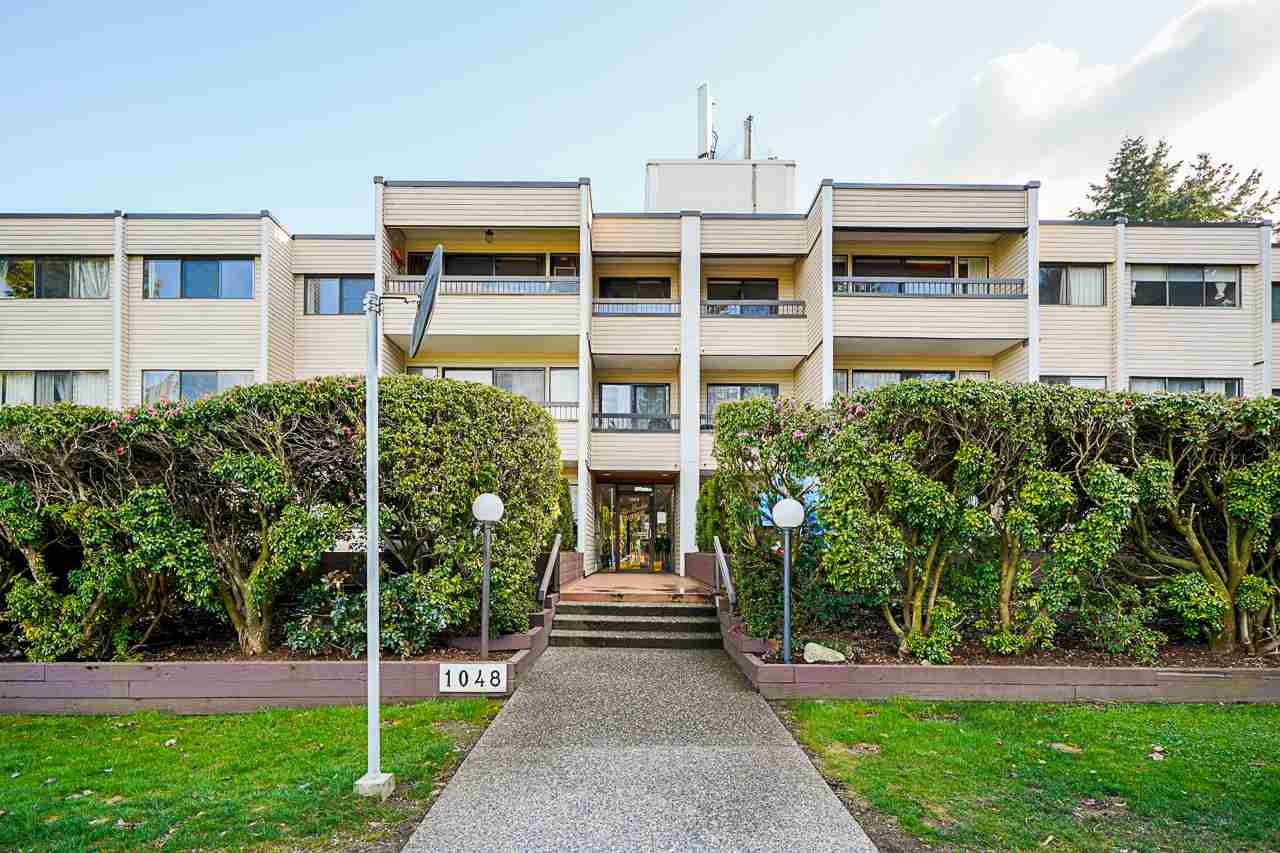 Spacious 2 bedroom Unit located at desirable Location in Central Coquitlam! Cross the street to the Blue Mountain Park, walking distance to transit and minutes to Lougheed Mall & Skytrain Station. Lots of windows and south facing sunroom and Large balcony. Great chance for the first home buyer & Investment opportunity.  Easy showing by appointment only.