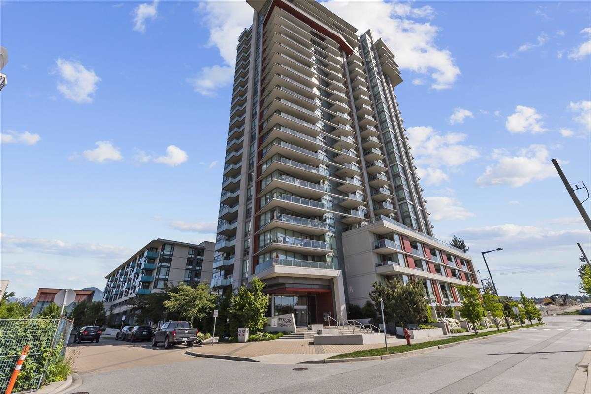 Welcome to Seylynn Village by Denna Home, gorges 2 bedroom 2 bathroom and a den, southeast corner with an unobstructed view of mountain, city, and Harbour, floor to ceiling triple- play glazed window for best of the view, unit looks like brand new, geothermal heating and cooling, open concept, The gourmet kitchen features a Bosch gas range, oven, and dishwasher, Fisher & Paykel fridge, quartz countertops, and soft-close modern cabinetry, large covered balcony with gas outlet for BBQ, amenities including a 14,000 sqft Club with an indoor pool, party room, guest suite, fitness center, concierge, minutes to shopping, public transit, Burnaby and Vancouver.