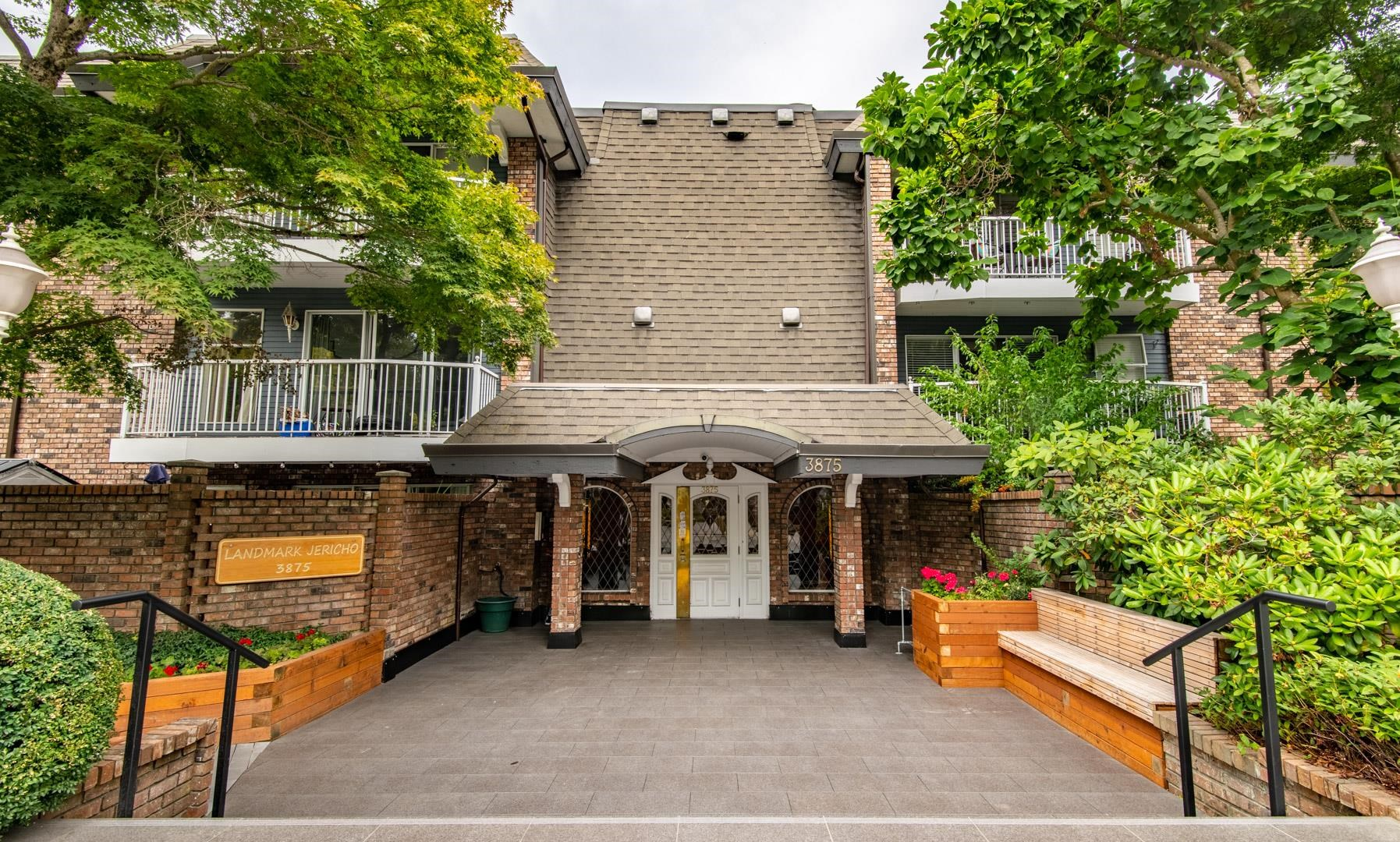 This 1 bed,1 bath Point Grey apartment is in one of the most desirable locations in all of Vancouver by the beaches at Jericho, Locarno &  Spanish Banks. This home is in original condition and would be a great renovation project. It's in close proximity to UBC & Kitsilano and just steps to W 4th Ave. shops and dining. Recently completed building updates include: plumbing, carpets, new paint inside & outside, hallways, piping, roof and parking membrane. A proactive Strata assures the value of your investment. The building includes free shared laundry & bike storage. This unit has 1 parking, 1 locker & plenty of free street parking. Heat & hot water are included in the monthly strata fee.