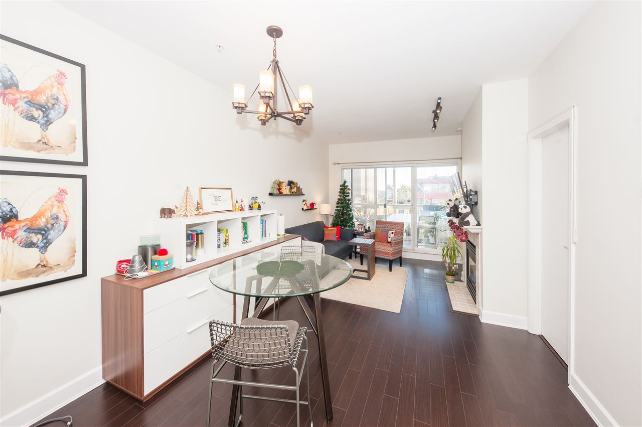 Open house on Saturday from 2pm to 4pm. Prime location ever, in the heart of Vancouver and right next to Oakridge Centre. Well maintained, spacious and bright over 762sqft 1 bedroom and 1 den(The den is large enough can be easily convert into 2nd bedroom, there is another den can be used as office as well) Functional floor plan with 9 ft high ceilings, open kitchen to the living area, good sized balcony.Steps to Oakridge Mall for all the conveniences of shopping, restaurants, Canada Line and Langara College. 10 min drive to Richmond, airport and downtown. 15 min to UBC. Good school catachments: Jamieson Elementary and Eric Hamber High School.