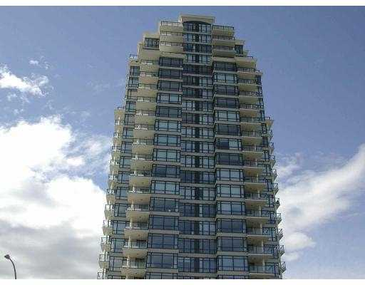 Great unite in this brand new luxury building 'Marquis Grand' by Onni Developmen t. Close to Brentwood Mall, skytrain, etc. Excellent facility. Laminated hardwoo d floor in L/R. Granite kitchen counter top. Huge balcony.