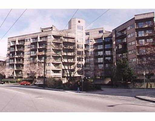 """""""City View"""" top floor, corner unit, 2 bedrooms with S.W. facing balcony. Solid c oncrete building, spacious living rm, walk in closet, insuite storage room, step s to Robson & Marketplace, m/m tenant at $975 p/m (includes/rental parking). All meas. approx."""
