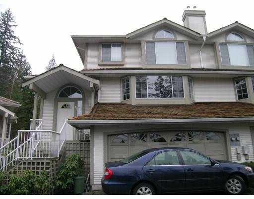 "Very nice end unit duplex style in ""Tree Tops"". Home faces south and has very private patio, 3 large bdrms and den, basement awaits your ideas. Easy to show."
