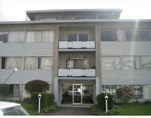 """Linden Court"". Large 1 bdrm in a co-op with patio facing north. Very close to VGH, Granville & West 12 shopping district. Beautiful H/W parquet flooring. Ground floor unit with NO walk up steps to the unit. Rentals permitted for 1 year after 1 yr of occupancy."