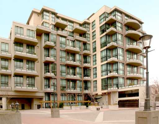 "The ""Murano"" luxury lofts in New Westminster Quay area. Corner unit, with south/east exposure. Partial water view of the Fraser River. 2 bedrooms, 2 bathrooms, 16'5"" ceiling creating a spacious open floor plan which can't be duplicated.Master bedroom is overlooking the living room. Upstairs also has a walk-in closet with a 4-piece ensuite."