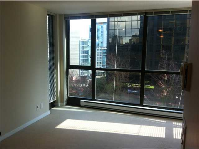 """The Lions"" is a favorite for first time home owners or investors. The location is second to none, steps from Coal Harbour, Robson Street, and Stanley Park. The building offers first class amenities, including a full gym, media room, meeting rooms, guest suites, and a common party room with pool tables, stage, and televisions. This studio suite has a functional layout, and has in-suite laundry and storage/flex space. Rentals and 1 pet allowed. 1 parking and 1 storage locker included."