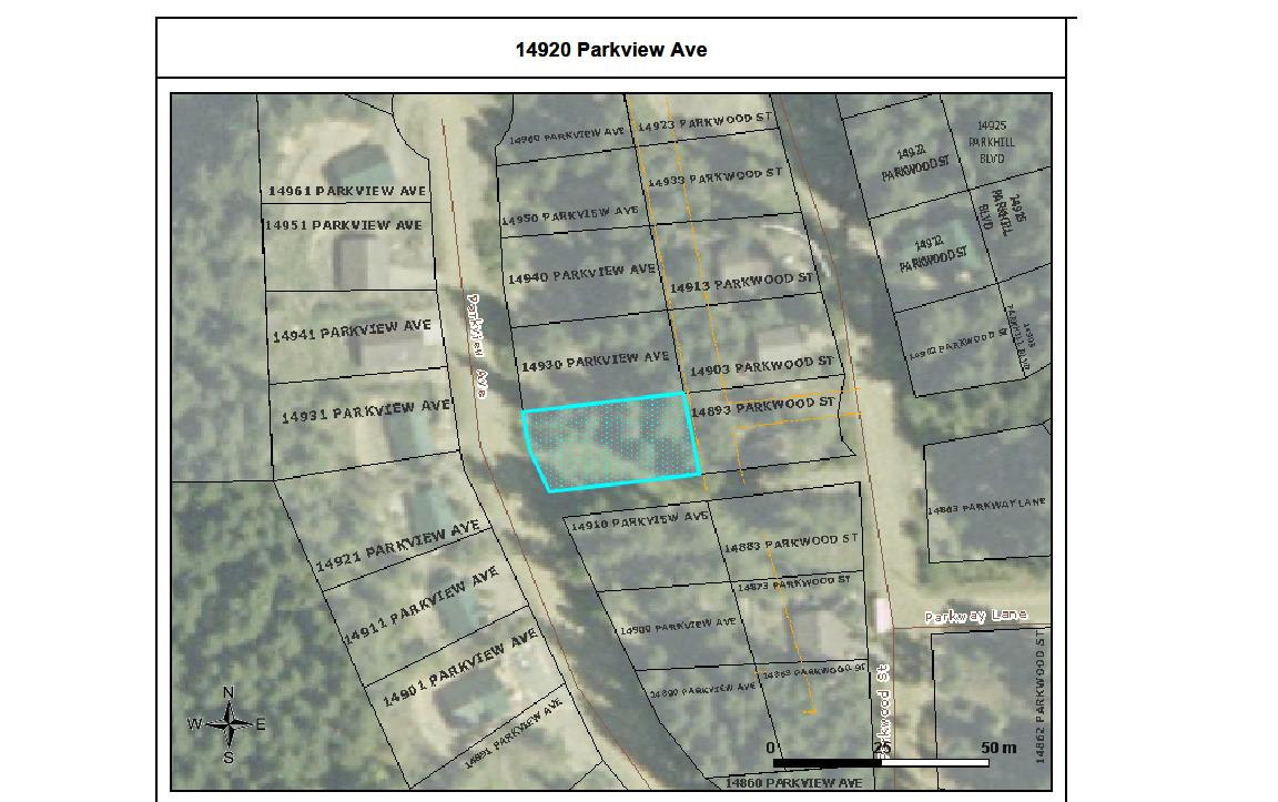 Lot in Sunshine Valley's Parkhill Village! Perfect property to build your dream home or cabin. Water, sewer, electricity, phone, cable/internet all available. Next to a small greenbelt.  Call today for details and personal tour.