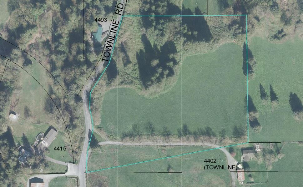 This property has never been on the market!! 9 acres right in TOWN.You can build your dream home while you enjoy your Amazing views of the valley or use your acreage to plant your crop. Don't miss this opportunity to own, the acreage properties like this are rare to come by.