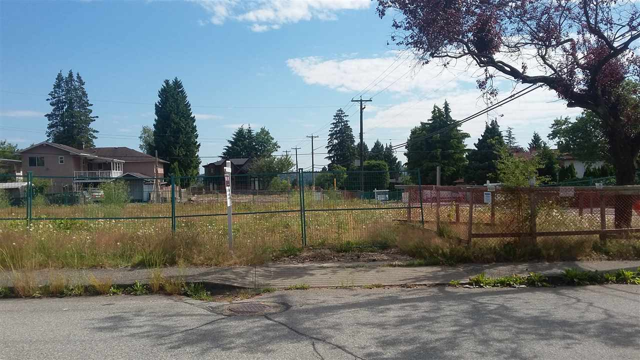House already demolished. Ready to build. Level lot 52'x122'. Great Sperling-Duthie area. R4 Zoning. Close to shopping, parks, North Burnaby Secondary School, Kensington Square, SFU, Eileen Dailley Pool, Confederation Park, Skytrain, buses. Area of million dollar homes.