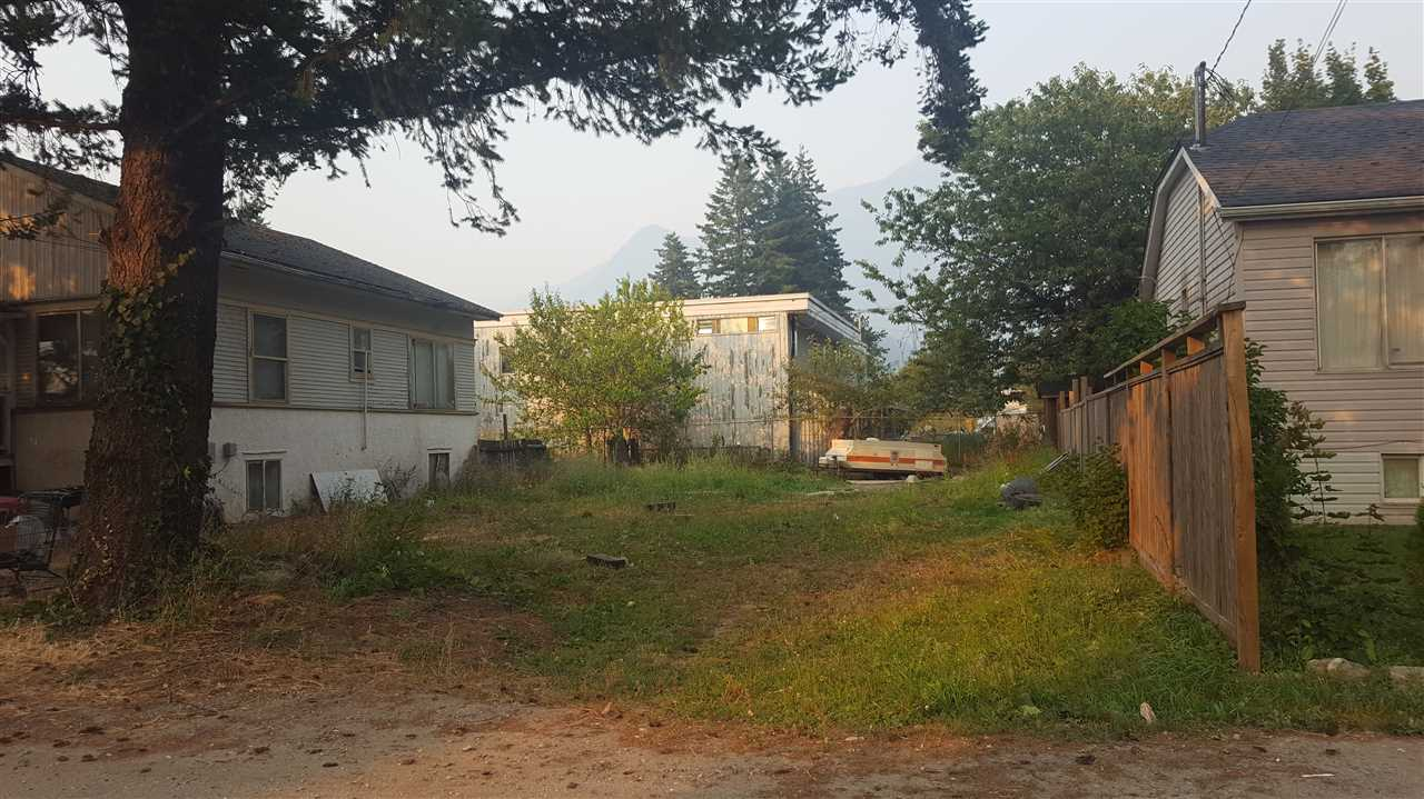 Smaller in town lot for a great price! With an economical house this could be a low cost investment.