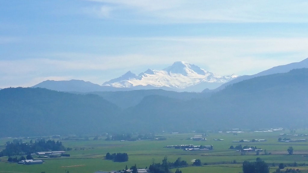SPECTACULAR VIEW LOT EAST ABBOTSFORD. Cul-de-sac location with easy access to shopping and Freeway. Custom plans for a 3 storey house included. Panoramic view of Mt. Baker and Sumas Prairie. Area of custom million dollar homes. Fully serviced lot.