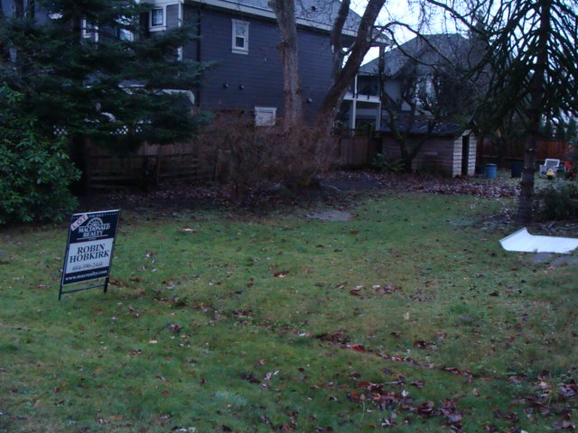 Ocean Park lot, 4950 never been build on, ready for your ideas for a custom home , area is in a great location walk to shops and rec. Call today!