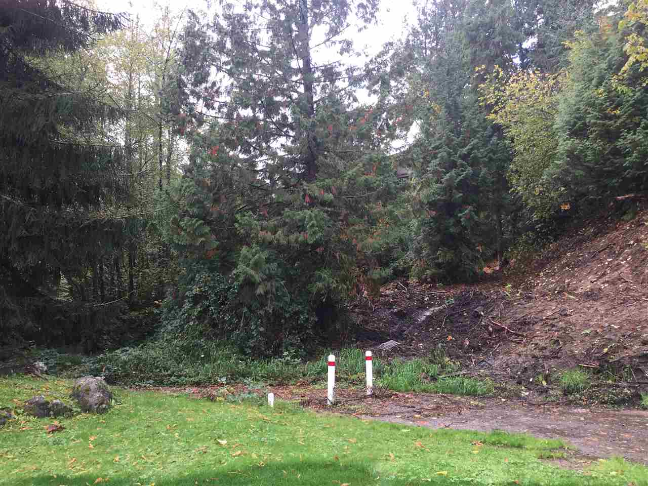 Beautiful almost 1/2 ACRE cul de sac building site for your new home with room for a shop or triple garage. Privacy, mature trees, on sewer & water near schools, shopping, transportation and walking distance to Newlands Golf course. Nestled in a country atmosphere in a neighborhood of estate homes on one acre parcels of land. Ideal for ranch style home or large two story. Great family location!