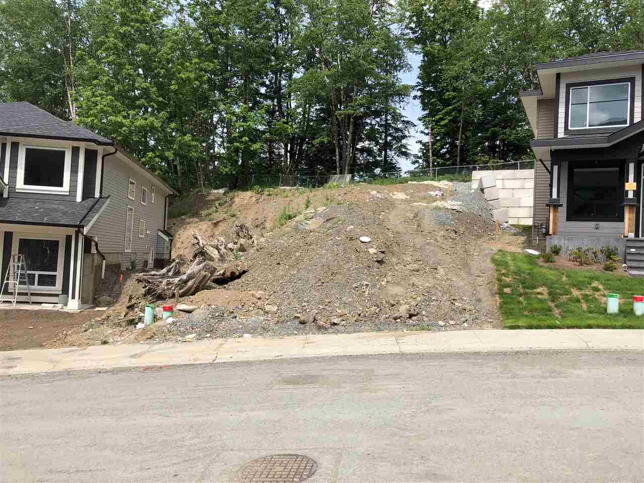 Most desirable area. Big lot and green belt on the back. Built your own fabulous 3 story dream home. Very easy access to hwy # 1. All houses in development already built. All amenities nearby. Plans and building permits are ready. Save time and money.