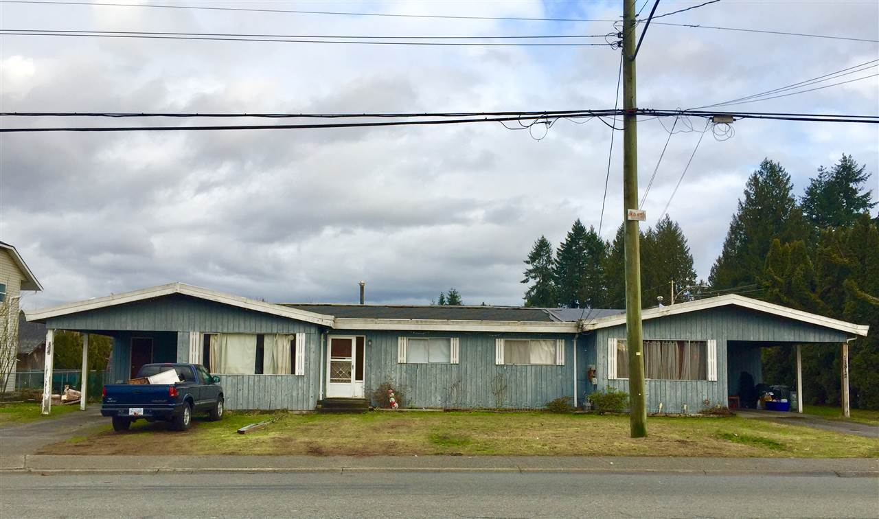 Developer & investor alert! Two 1223 sq ft duplexes with 12600 sq ft lot. Located in the centre of Pitt Meadows. Potential to subdivide to two single house lots.Please verify with City of Pitt Meadows. Land value.