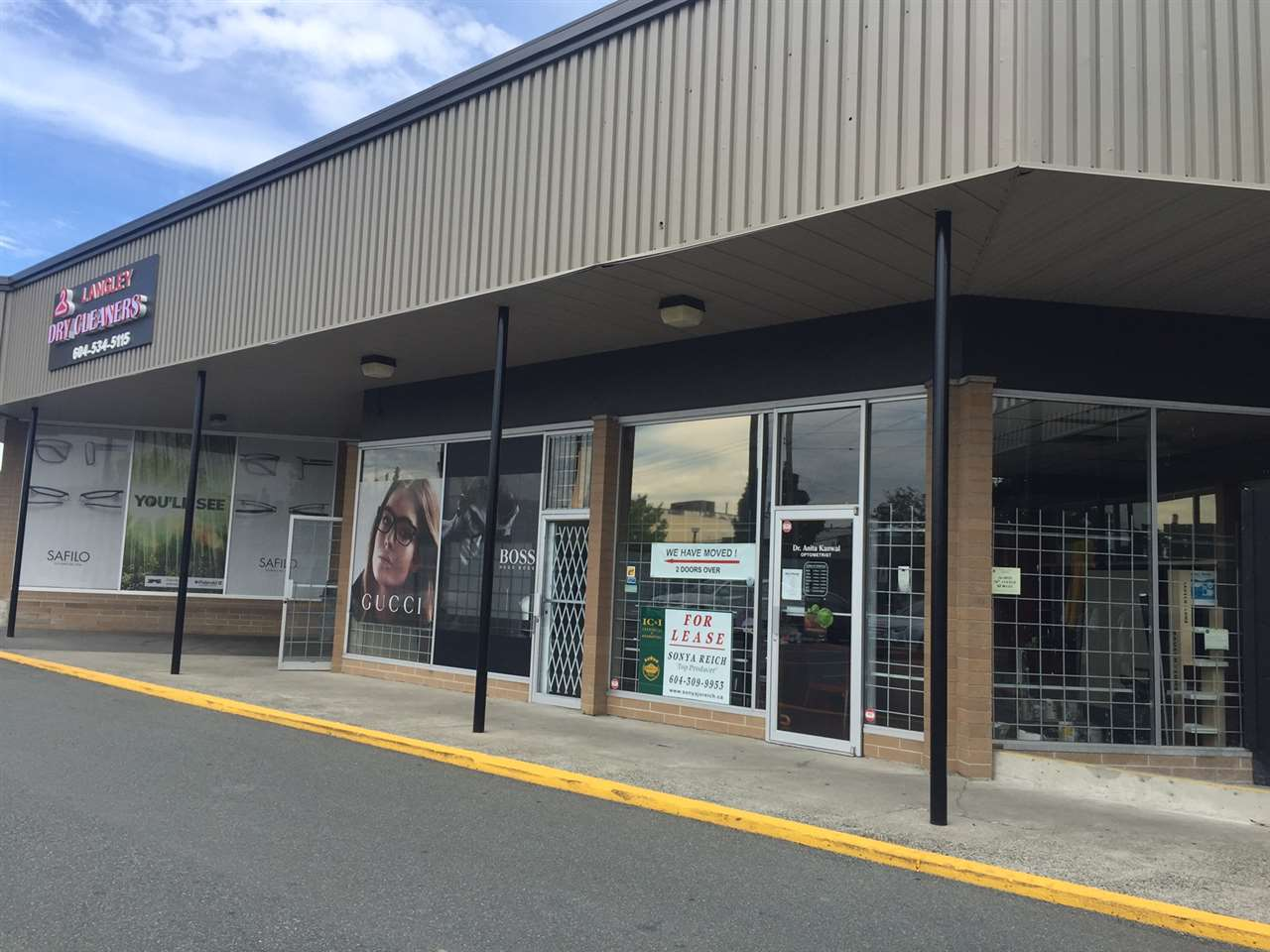 Retail Space OR LEASE at Highland Shopping Centre in Langley City. 1,079 SF, zoned C-1, store front with ample parking in front. Base rent at $16/sf/annum, additional rent at $5.28/sf/annum.