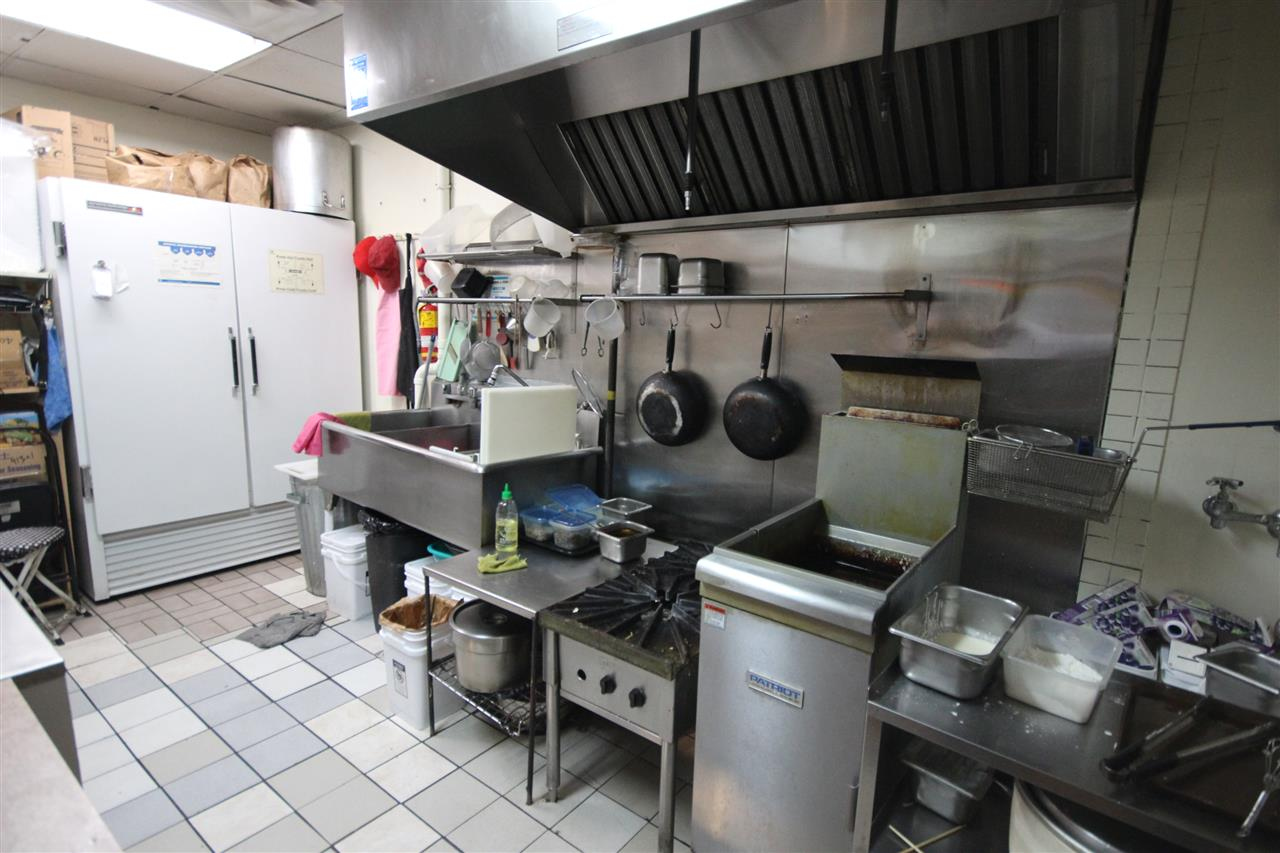 """Well managed, """"SUSHI RESTAURANT"""" in White Rock, Monthly rent ($4,457+GST), Monthly average sales ($22,000). Busy foot traffic and located near entrance gate in a big shopping mall. Best for a couple ($6,000-$7,000/mon). Please do not disturb staff/seller. Showing by appointments only. If you need info package, pls email first and then Touchbase or call to schedule your private showing!!"""