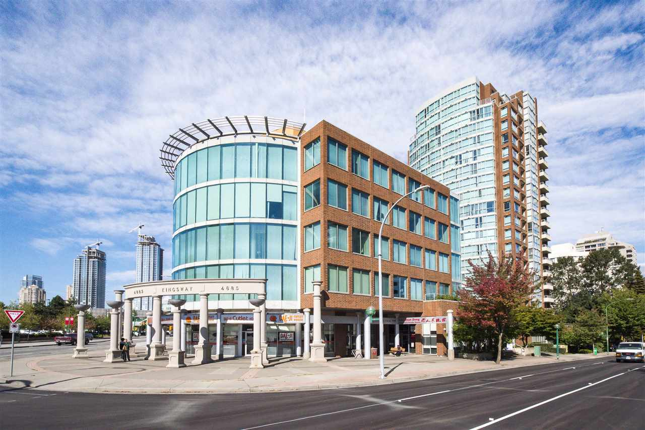 "2 second floor strata office units combined to total 639 sq.ft in ""The Newmark"". PRIME Metrotown location with outstanding proximity to all local amenities. Air conditioned unit configured with multiple individual offices, reception area and kitchenette. Current use is lawyer/accountant office. Suite includes access to 2 parking stalls and 2 storage lockers. East facing exposure on quiet side of building facing Nelson Street."