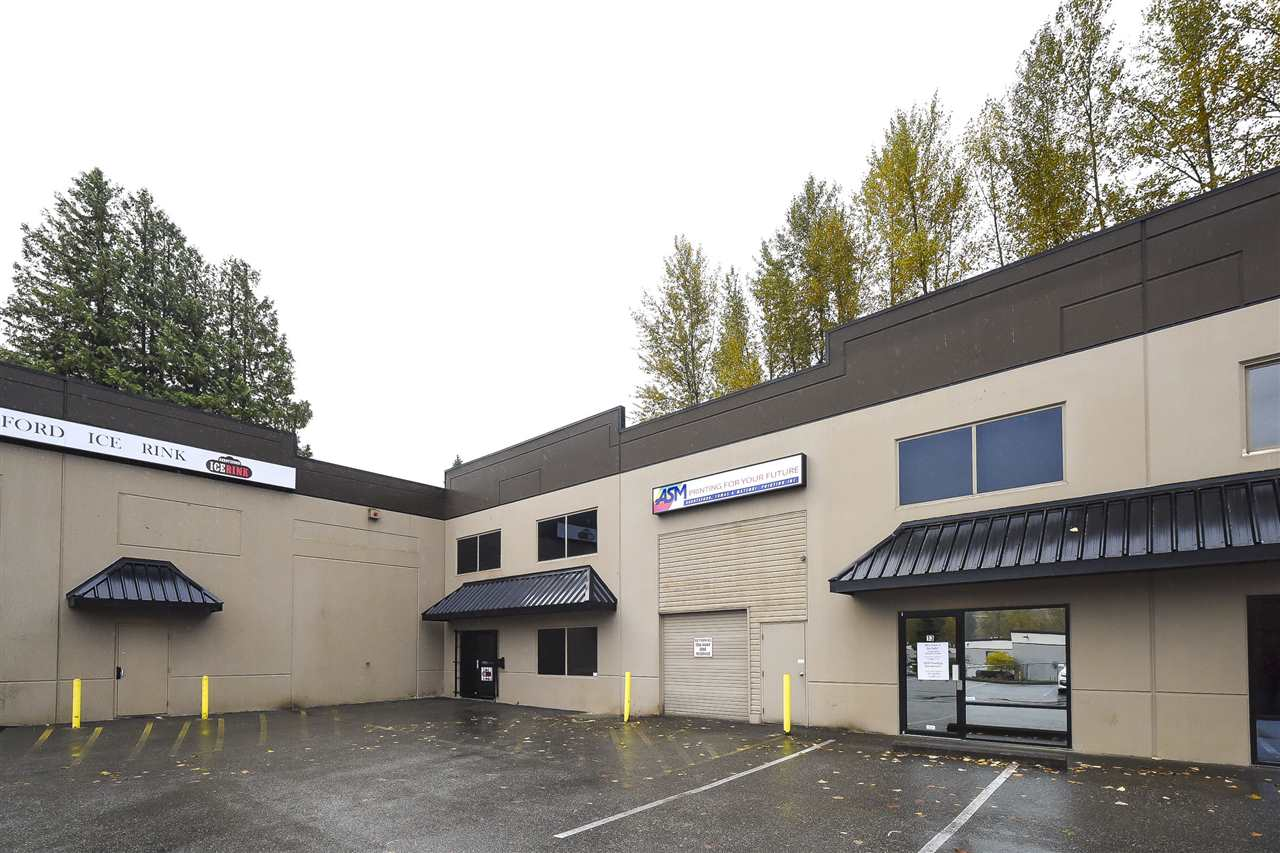 Rarely available inside unit strata warehouse with many different options offering potential mixed-use live/work opportunity. Approx 3,400 sq.ft total space with close to 2,600 sq.ft down and 800 sq.ft up. Tilt-up construction, high ceilings, and office space. Lower level features warehouse floor, reception area & bathroom, upper level can be converted to living space & currently configured w 2 offices plus lunch room area. This unit offers the perfect space for a growing or mid-sized company requiring area for work/storage/office space as well as an opportunity to potentially sublet parts of the property to supplement the cost of owning. Excellent location close to amenities and Hwy 1. Call to view today!