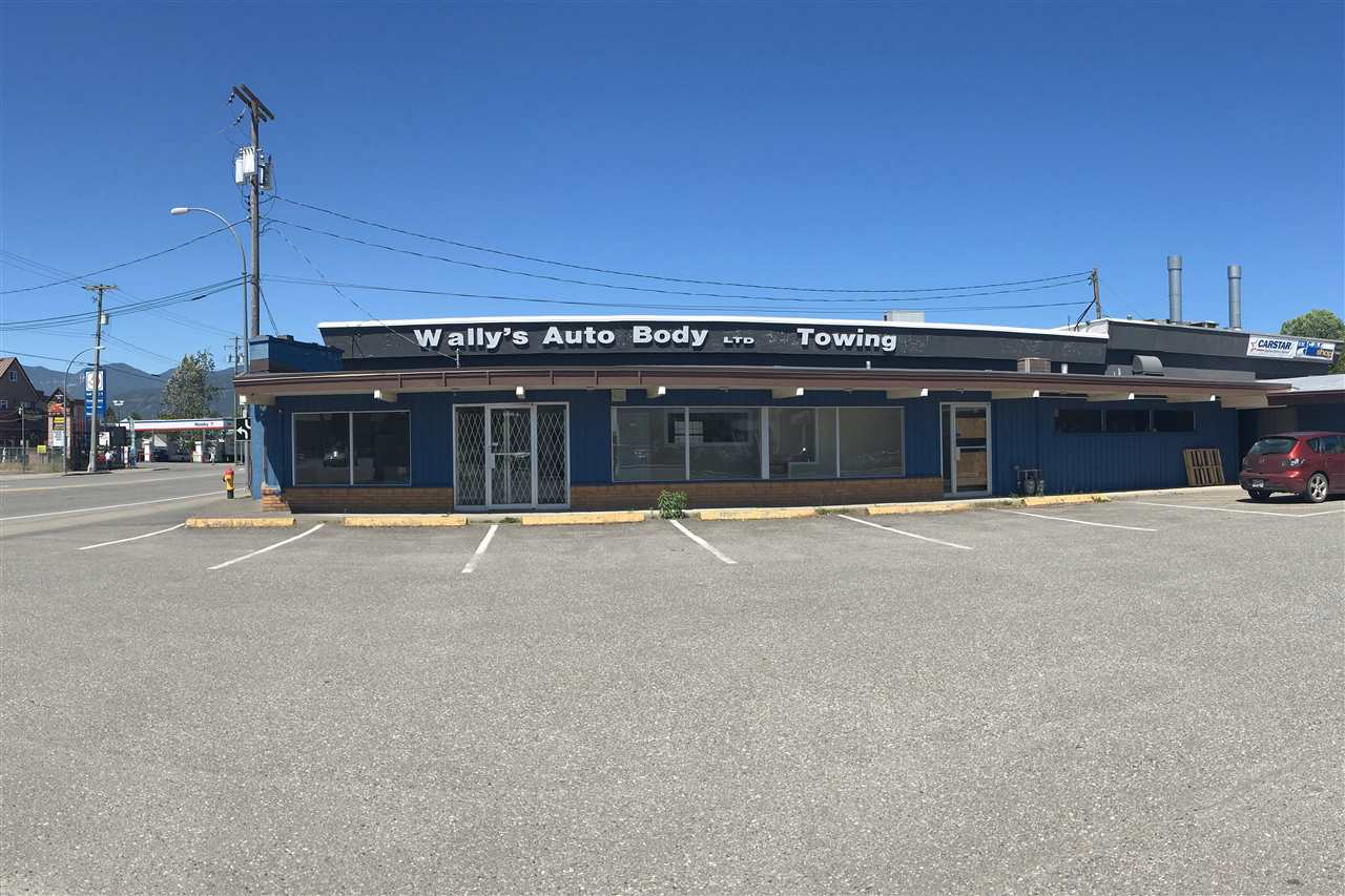 High exposure retail/office space for lease on the corner of Young Road an Chilliwack Central Road. This area has a very high traffic count and would be great for your business! This building has a main greeting area as well as 4 separate rooms for offices or storage use. CSM zoning for this property.