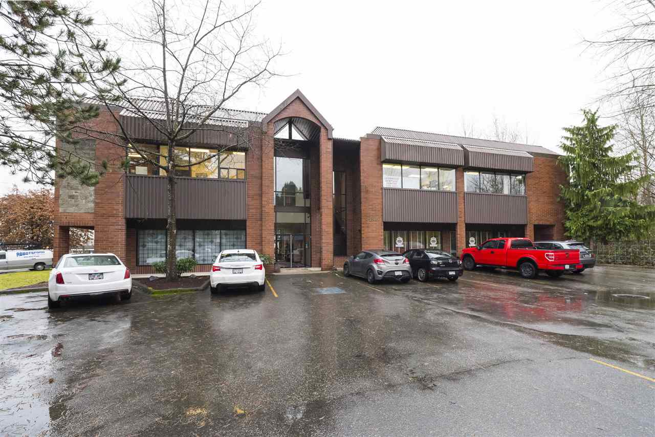 Prime office space in Fairmont Centre in central Mission! This large corner unit offers nearly 1,800 sq.ft on the second floor with a reception area, multiple individual offices, kitchen and boardroom space. Loads of parking available and easy access to highways and just steps to countless amenities, transit, restaurants, shops and services. Owner occupied.