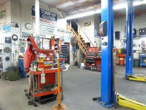Why Work for someone else when this profitable turnkey fully equipped popular auto and truck repair mechanic business with 3 Hoists (established 24 years by same owner) located in a desirable high density area of residential and commercial area in Lower Lonsdale can be yours. Many satisfied repeat customers. 3,740 sq ft approx. plus parking at back for 6 cars. Seller retiring - must sell. Will train in all aspects of business. Excludes all stock and Seller personal tools. Buyer to sign confidentiality agreement. Priced below replacement cost. All equipment is available for sale. Call LR for more information and appointment.