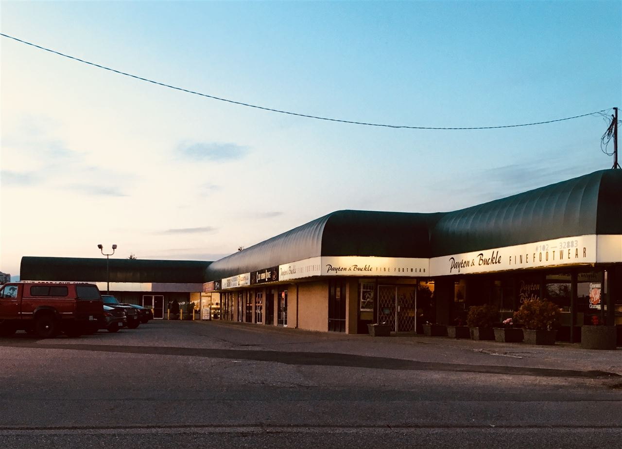 3,539 Sq.Ft. Unit Available on busy South Fraser Way in Leon Center. Right across from Seven Oaks Mall. Bring your ideas!