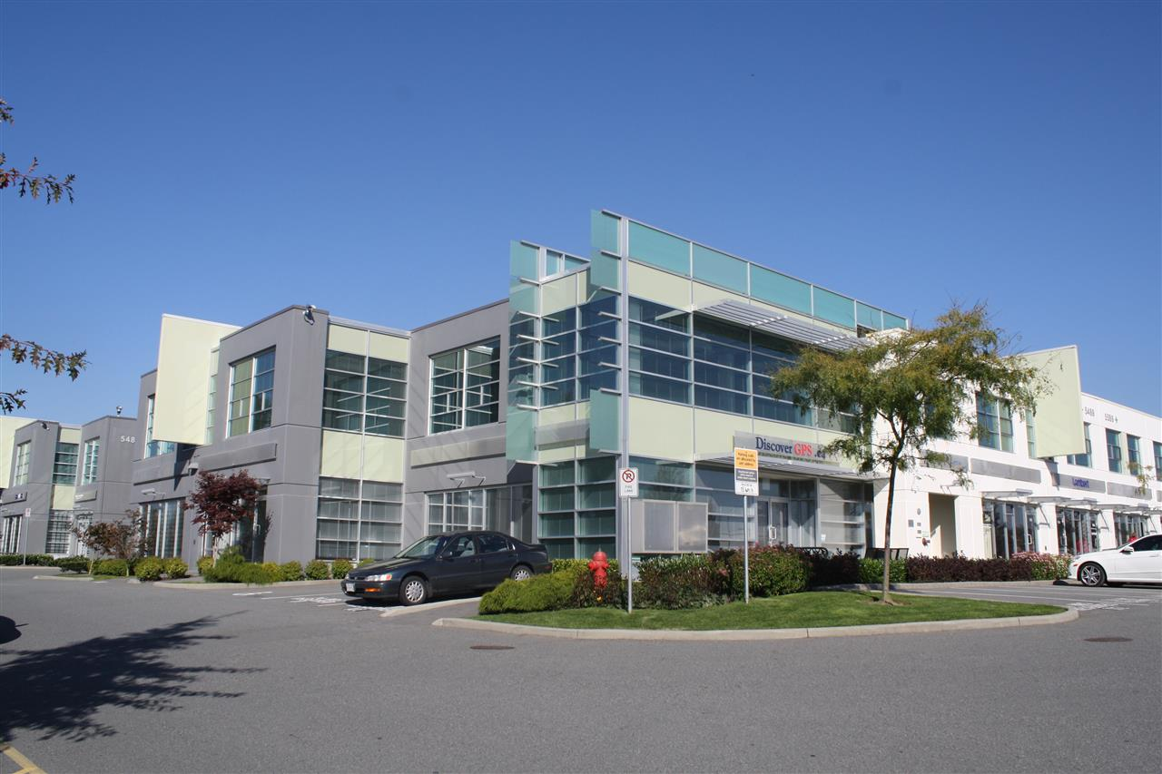1,635 square feet high quality second floor office located in Riverway Business Park on Marine Way and Byrne Road, a high volume intersection directly across from Marine Way Market and Big Bend Shopping. This location offers excellent access to all Greater Vancouver key market areas. Great Byrne Road exposure, nicely finished offices and showroom area, excellent glazing, comes with three (3) parking stalls. Please contact listing agents for more details and to book a showing.