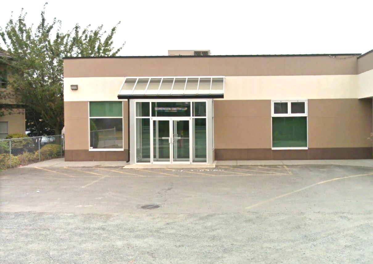 Premier office space in a great location! Join an existing Financial Business, with great exposure, in-obstructed road frontage, and easy access to the public. Walking distance to shops, restaurants, and local businesses, making this a smart option for your already growing business or next business venture! Asking $16/SQ FT Call today for your Private viewing. Call Joel