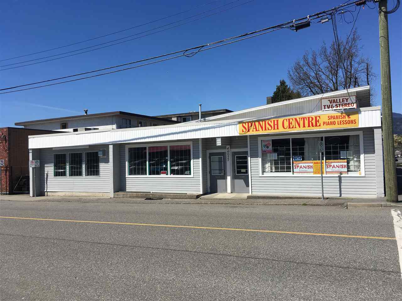 2624 sf ground floor retail/office space available for lease in the heart of Downtown Chilliwack. This unit has great street exposure and would be excellent for an office or retail business. Bring your ideas!
