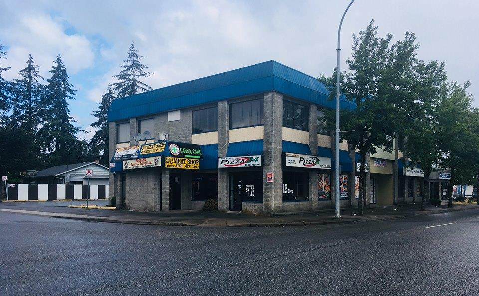 375-652 Sq.Ft Second Floor unit located on the corner of Clearbrook Rd. and Sunrise Cres. High visibility and traffic count area. Tons of parking at the back. Easy access to Hwy 1. Join A Day Spa, Community College, Pizza Restaurant and more. 3 units available for lease. Bring your ideas!