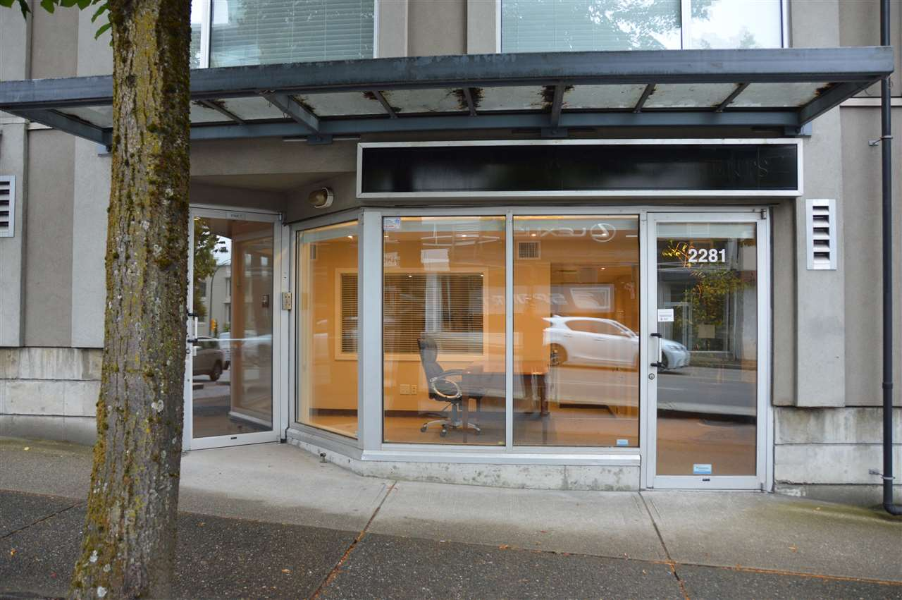Great retail office space on Burrard. Currently set up as space for a financial planner. C-3A zoning allows general office, financial institution, medical office & retail store. Great space for lawyer, accountant, chiropractor, RMT. For sale or lease.  Bylaws prohibit cannabis businesses.