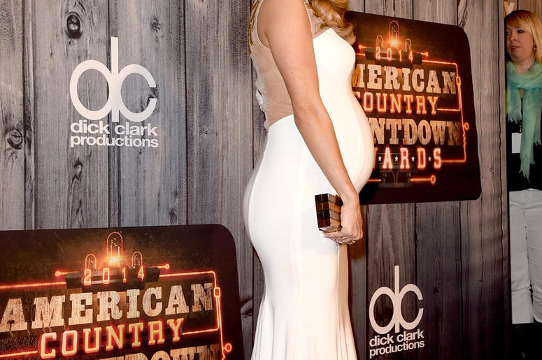 Pregnant Carrie Underwood arrives at the 2014 American Country Countdown Awards in Nashville