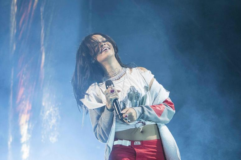 April 2015 Rihanna Performs in Indianapolis, IN at White River State Park