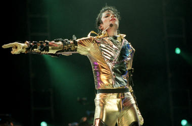Michael Jackson performs on stage during is 'HIStory' world tour concert at Ericsson Stadium November 10, 1996 in Auckland, New Zealand.