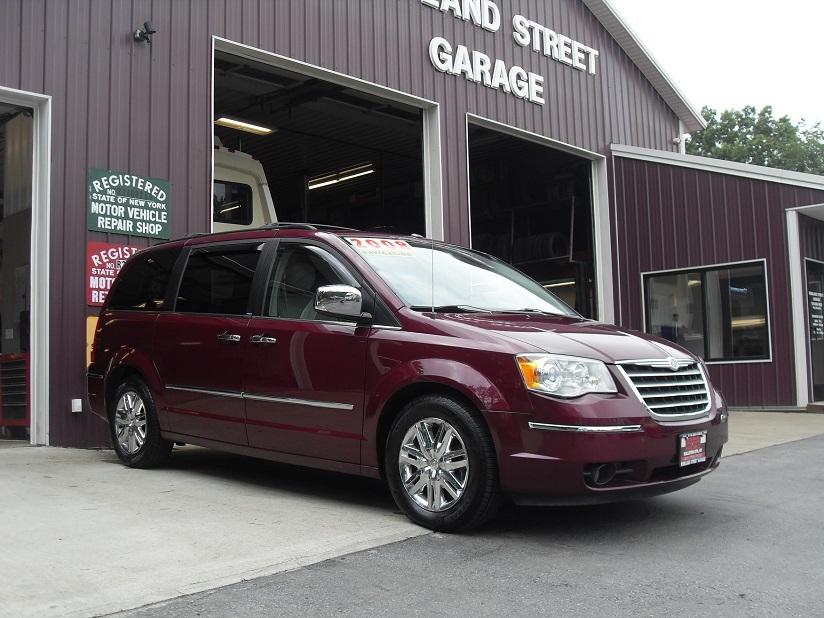 Buy 2008 Chrysler Town & Country :: Ballston Spa, NY   Rowland Street Garage