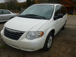 2007 Chrysler Town and Country Touring 4dr Ext Minivan (3.8L 6cyl 4A)