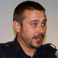 Jeremy scahill at the sanctuary 4 16 10 3