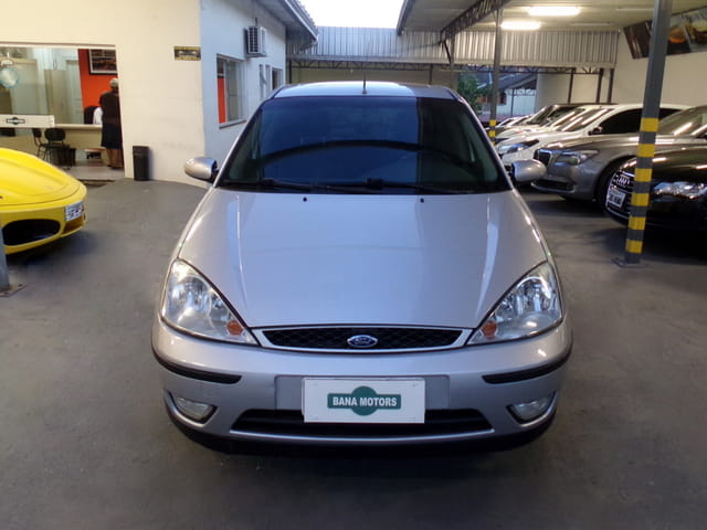 FORD FOCUS SEDAN GHIA 2.0 16v(Aut.) 4P