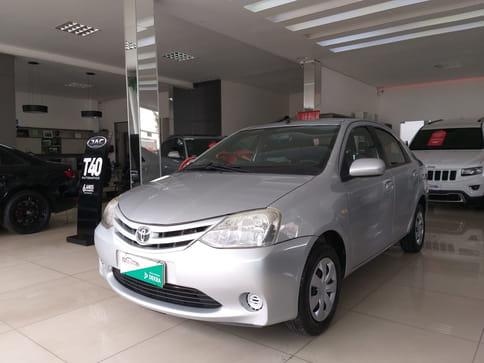 2013 toyota etios sedan xs flex